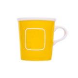 Leerer freier Raum des gelben Bechers für Kaffee oder Tee mit Raumbereich Stockbilder