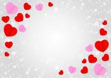 Leerer grauer Rahmen und rote rosa Herzform für Schablonenfahnenvalentinsgrüße kardieren grauen Hintergrund, viele Herzen formen  lizenzfreie abbildung