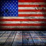 Leerer Innenraum mit Farben der amerikanischen Flagge Stockfoto