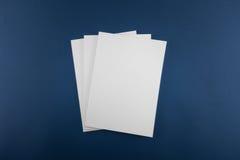 Leerer Katalog, Zeitschrift, Buchschablone mit weichen Schatten betriebsbereit lizenzfreies stockbild