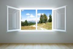 Leerer neuer Raum mit geöffnetem Fenster Stockfotos