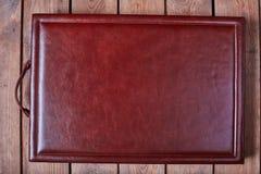 Leerer Notizblock auf einer Holzoberfläche Weinlesesatz Gegenstand Lizenzfreies Stockbild
