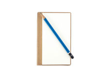 Leerer Notizblock mit Bleistift Stockfotos