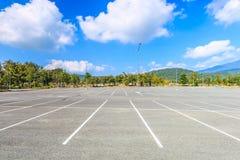 Leerer Parkplatz Lizenzfreie Stockfotos