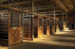 Leerer Pferden-Stall Stockfotos