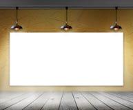 Leerer Rahmen im Raum mit Deckenleuchte Lizenzfreies Stockbild
