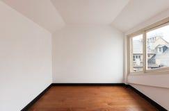 Leerer Raum eines Dachbodens Lizenzfreies Stockfoto