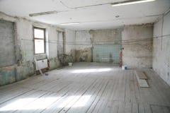 Leerer Raum im alten Gebäude Lizenzfreie Stockbilder