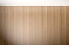 Leerer Raum mit hölzernem Fußboden Stockfotografie