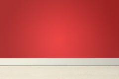 Leerer Raum mit roter Wand und Linoleum Lizenzfreie Stockfotografie
