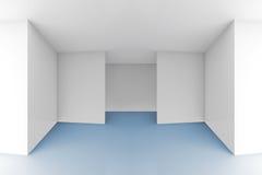 Leerer Rauminnenraum mit weißen Wänden und blauem Boden Lizenzfreie Stockfotos