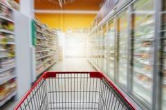 Leerer roter Warenkorb Stockbilder
