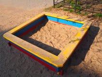 Leerer Sandspielplatz lizenzfreies stockfoto