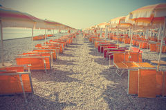 Leerer Strand in der Weinlese Stockbild