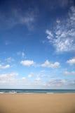 Leerer Strand mit Textplatz. Stockfotografie