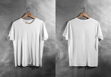 Leerer weißer Rückseite-Ansichtaufhänger T-Shirt Front, Designmodell Stockbild