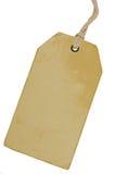 Leeres beige Weinlese-Pappverkaufs-Tag, leerer Schmutz-Preisschild Pricetag-Ausweis, lokalisierter Grungy Makronahaufnahme-vertik Stockbilder