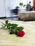 Leeres Bett im Krankenhaus Lizenzfreies Stockfoto