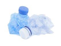 Leeres Blau benutzte Wasserflasche für die Wiederverwertung Stockfoto
