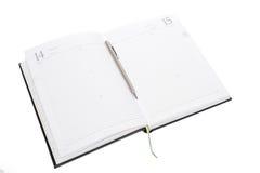 Leeres Briefpapier mit Band- und Metallstift Stockbilder