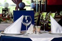 Leeres Glas Wein in einem Restaurant stockfoto