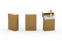 Leeres Goldpaket von Zigaretten mit Beschneidungspfad Stockbilder