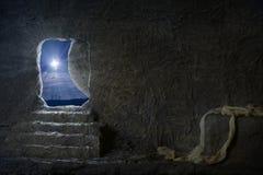 Leeres Grab von Jesus nachts Lizenzfreie Stockfotografie