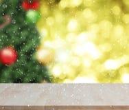 Leeres hölzernes Tabelle guten Rutsch ins Neue Jahr 2017 auf Weihnachten-bokeh Wand Stockfoto