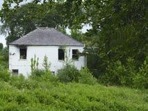 Leeres Haus; 'vergaß die Batterie'! Stockfotografie