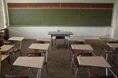Leeres Hochschulklassenzimmer Stockfotos