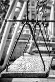 Leeres Kettenschwingen der Retro-, weißen und schwarzen Art Lizenzfreie Stockfotografie