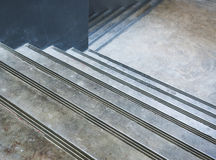 Leeres konkretes Treppenhaus Stockfoto