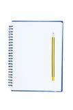 Leeres Notizbuchisolat auf weißem Hintergrund Stockbilder