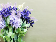 Leeres Papier mit Lavendel und auf Beschaffenheitspapierplatz für Ihr Lizenzfreie Stockbilder