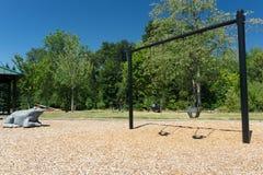 Leeres Park-Schwingen Stockbild