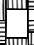 Leeres quadratisches schwarzes Metallfeld mit abstrakter Linie Quadrat Muster und Copyspace in der Mitte aufgebraucht als Schablo Stockfotografie