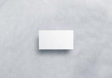 Leeres weißes Bestellscheindesignmodell, Kraftpapier, Beschneidungspfad Stockbild