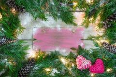 Leeres Winterurlaubzeichen mit Liebeskonzept Stockbild