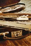 Leerkoffer met oude boeken Stock Fotografie