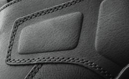 Leerlaarzen met draad die dichte omhooggaand worden gestikt royalty-vrije stock afbeeldingen
