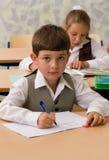 Leerlingen bij klaslokaal royalty-vrije stock foto's