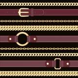 Leerriemen en gouden kettingen op zwart naadloos patroon als achtergrond royalty-vrije illustratie