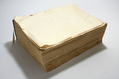 Leerseite des alten Buches mit Gelben Seiten Stockbild