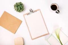 Leerseitenschalenblume kalla des Notizbuches des Draufsichtgeschäfts gesetztes lizenzfreies stockbild