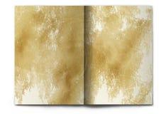 Leerzeichen/leere alte grunge Zeitschrift breiteten auf Weiß aus Stockfoto
