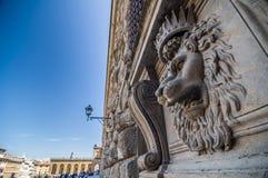 Leeuw hoofdhulp op de voorgevel van Pitti-Paleis, Florence, Italië Royalty-vrije Stock Fotografie