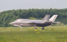 LEEUWARDEN, НИДЕРЛАНДЫ - 26-ОЕ МАЯ: Боец F-35 во время его fi Стоковые Изображения