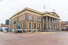 Leeuwarden, die Niederlande am 14. April 2018 Einheimisches, welches die Co führt lizenzfreie stockbilder