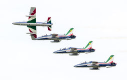 LEEUWARDEN, DIE NIEDERLANDE 10. JUNI 2016: Italienischer aerobatic Tee Lizenzfreies Stockfoto
