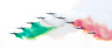 LEEUWARDEN, DIE NIEDERLANDE 10. JUNI 2016: Italienischer aerobatic Tee Lizenzfreies Stockbild